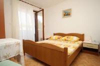 Apartment Uvala Pokrivenik 8673b - Apartment mit 3 Schlafzimmern - Ferienwohnung Kroatien