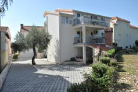 Apartments Sutalo - One-Bedroom Apartment - Houses Novigrad