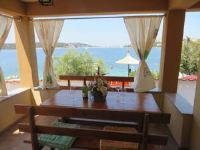 Beach House Betty - Apartment mit Meerblick - Haus Lokva Rogoznica