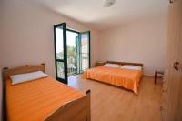 Rooms Renata - Chambre Triple Basique avec Salle de Bains Commune - Chambres Stara Novalja