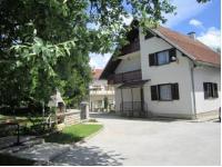 Guest House Sveti Marko Gacka - Chambre Lits Jumeaux avec Salle de Bains Commune - Otocac