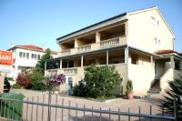 Apartmani Dekanić Krk - Apartment mit Terrasse - krk strandhaus