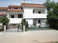Apartmani Ivicek Stojakovic - Apartment - Ground Floor - Apartments Porec