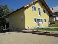 Apartment Julija - One-Bedroom Apartment with Terrace and Lake View - apartments in croatia