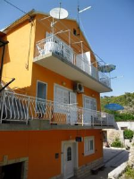Rooms Mara - Triple Room with Kitchenette - Houses Skradin