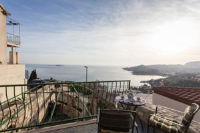 Apartment Little House - One Bedroom Apartment with Balcony and Sea View - Houses Jasenice
