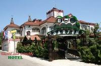 Hotel Garten - Dreibettzimmer - Grizane Belgrad