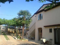 Apartments Folo - One-Bedroom Apartment with Patio - Rooms Poljane
