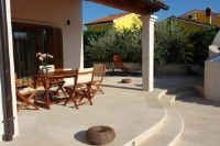 Apartments Volme - One-Bedroom Apartment with Pool View - Banjole