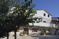 Gracia Apartments - One-Bedroom Apartment with Patio - Apartments Funtana