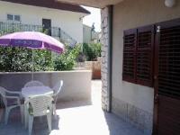 Apartments Dida - Apartment mit 1 Schlafzimmer, Terrasse und Meerblick - Haus Podgora