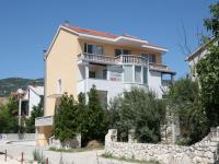 Villa Cezar, Kastel Luksic, Croatia - Villa Cezar, Kastel Luksic, Croatia - Apartments Kastel Luksic