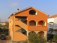 Familien Appartement Dujmenović - Apartment für 4+2 Personen - Ferienwohnung Omisalj