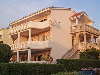 Budget apartmani Ljiljana - Apartman za 4+1 osobu - Selce