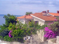 Beachside Villa Karmela - Apartment for 6 persons - Okrug Gornji
