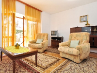 Family Apartment Marić - Apartment for 6+2 persons - Podstrana