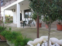 Beachside Apartments Kapetanovi dvori - Apartment for 2+2 persons - apartments trogir