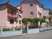 Apartment Dina - Apartment for 4+2 persons - Pula