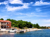 Beachside Apartments Julijana - Apartment for 4 persons - Otok Apartment