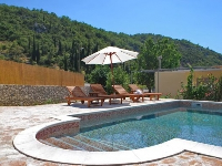 Holiday House Betty - House for 5 persons - island brac house with pool