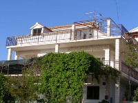 Summer Accommodation Antonia - Apartment for 2+2 persons (A2) - Apartments Okrug Gornji