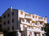 Accommodation Belić - Apartment for 2+2 persons - Apartments Jelsa