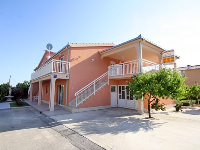 Online Accommodation Mirjana - Apartment for 2+2 persons (1) - Kastel Novi