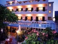 Hotel Villa Biser - Dreibettzimmer - Zimmer Pag