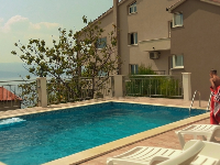 Obiteljski Apartmani Anisija - Apartman za 5+1 osobu - Apartmani Rogoznica