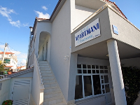 Holiday Apartments Oceania - Apartment for 2+2 persons - apartments trogir