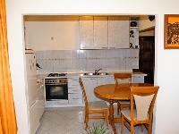 Online Apartmani Lile - Apartman za 2+2 osobe - Apartmani Split