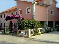 Apartman Petro - Apartman za 4+1 osobu - Apartmani Okrug Gornji