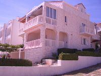 Apartments Villa Roberta - Apartment for 3 persons - Apartments Bol