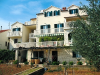 Holiday Accommodation Luna - Apartment for 2 persons - Apartments Bol