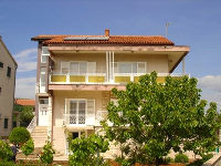 Online Appartement Curavić - Apartment für 4 Personen - Ferienwohnung Brodarica