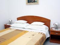 Familien Appartements Orlić 2 - Apartment für 2+2 Personen (Ivo) - Ferienwohnung Vinisce