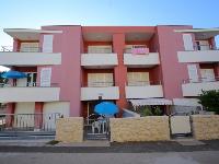 Apartmani uz plažu Pino - Apartman za 2+2 osobe (b) - Sobe Stanici