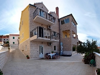 Obiteljski Apartmani Janez - Studio apartman za 2+1 osobu (Iris) - Postira